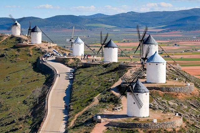 molinos del pueblo de consuegra