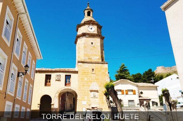 torre del reloj pueblo de Huete