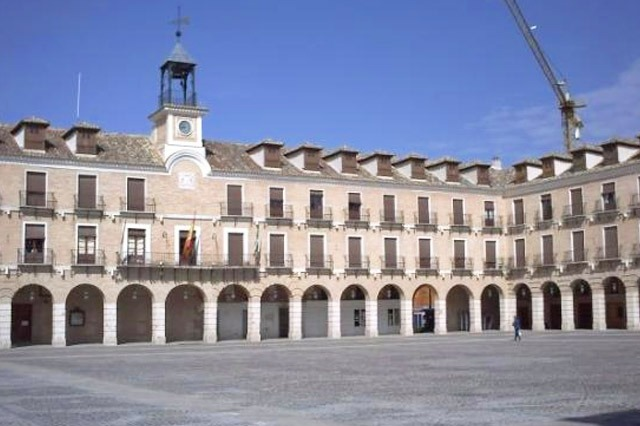 plaza del pueblo de Ocaña