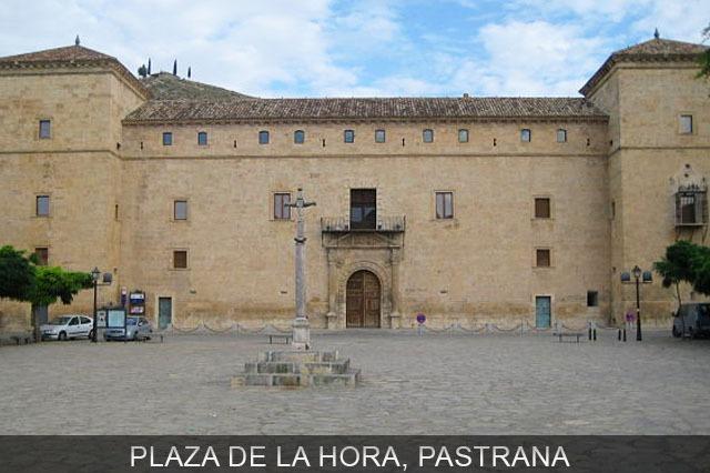 Plaza de la Hora pueblo de Pastrana