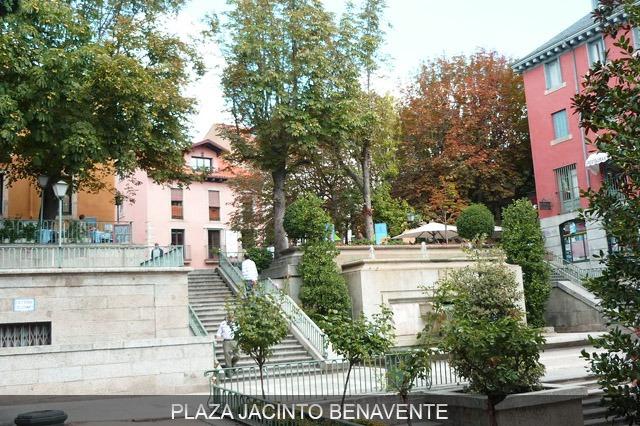 hacer escapada a san lorenzo del escorial en plaza benavente